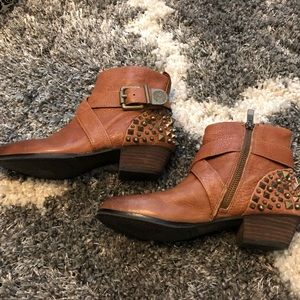 Women's Vince Camino Ankle Booties Size 6